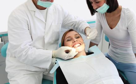 Angst-voor-de-tandarts-niet-bij-Darwinkliniek-tandartsen-aardige-tandartsen-behandeling