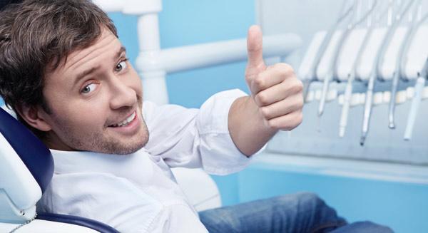 Angst-voor-de-tandarts-niet-bij-Darwinkliniek-tandartsen-aardige-tandartsen-blij